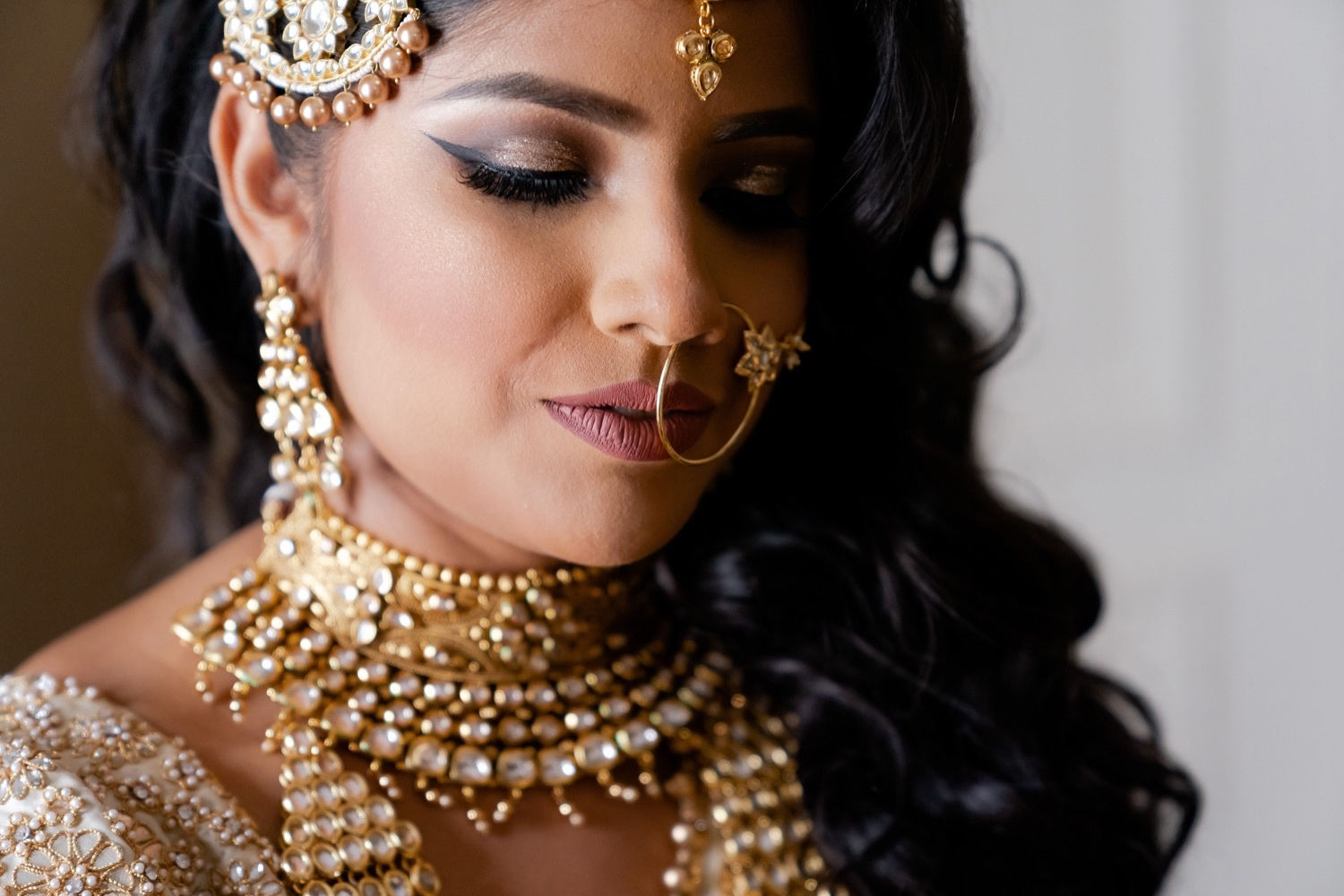 A close portrait of a bride who is getting married at the Tappan Hill Mansion.