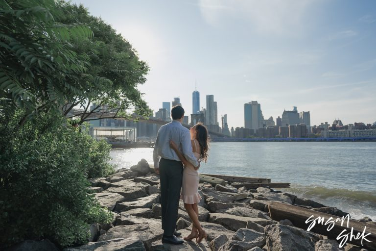 Romantic DUMBO Brooklyn Engagement Photos